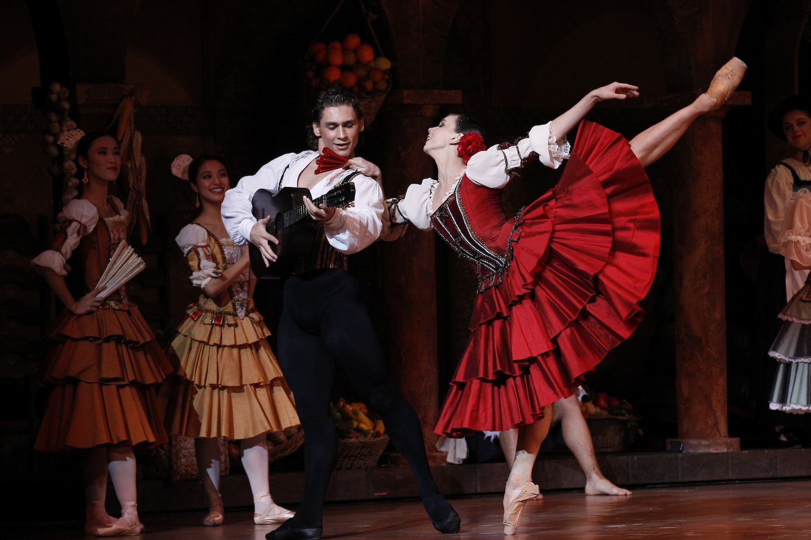 Ivan-Vasilliev-and-Natalia-Osipova-in-Don-Quixote-The-Australian-Ballet-2013-Photo-by-Jeff-Busby