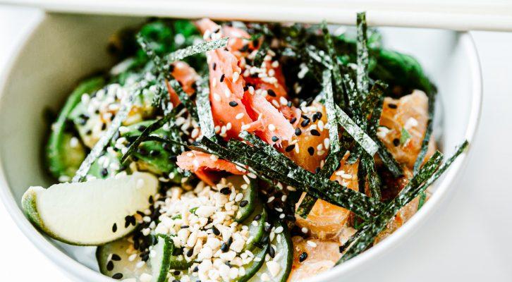 5 Reasons To Sprinkle Seaweed In Your Diet
